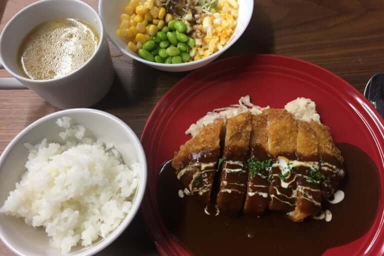 宝塚料理店の土曜のランチ