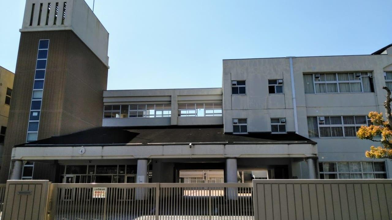 新型コロナウイルスにより宝塚市立の学校園は休校中